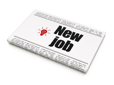 Le dispositif des emplois francs vise à faciliter l'embauche en CDI de jeunes en recherche d'emploi, qualifiés ou non, et résidant dans les zones urbaines sensibles de certaines communes.