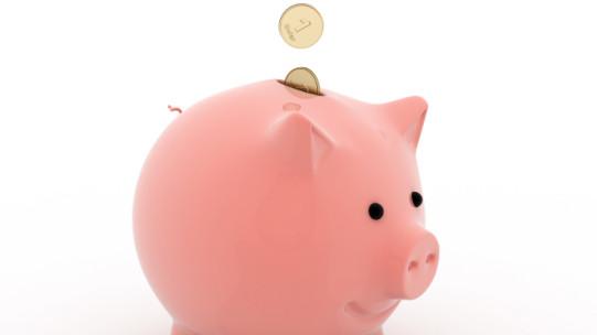 Les indemnités forfaitaires de grand déplacement sont destinées à compenser les dépenses supplémentaires de repas et de logement que le salarié engage lorsqu'il est en déplacement professionnel à l'étranger. Elles peuvent être exonérées de charges sociales.