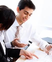 Le nombre de stagiaires pouvant être accueillis dans l'entreprise est limité et leur gratification augmentée à compter du 1er septembre 2015. La loi améliore également les droits sociaux des stagiaires qui bénéficieront des titres restaurant et du remboursement des frais de transport dans les mêmes conditions que les salariés de l'entreprise.