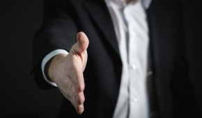 La loi Travail prévoit une nouvelle rupture collective à l'amiable avec l'employeur par accord négocié dans l'entreprise : la rupture conventionnelle collective.