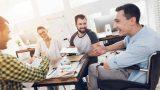 La loi Avenir professionnel a pour objectif d'augmenter le taux d'emploi des personnes en situation de handicap et réforme l'obligation d'emploi des travailleurs handicapés (OETH). Trois décrets du 27 mai 2019 précisent les nouvelles règles relatives à l'OETH, issues de la loi Avenir professionnel du 5 septembre 2018.