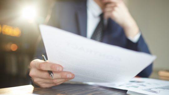 Sur son site Internet, Pôle emploi fait le point sur les obligations de l'employeur en matière d'attestation employeur. A compter du 1er juin 2021, Pôle emploi acceptera uniquement les attestations employeur établies selon un modèle valide.