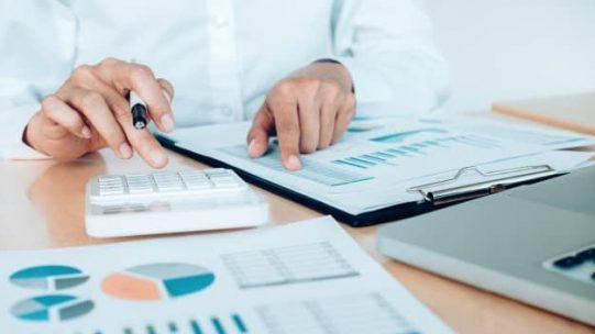 Deux décrets du 26 février 2021 reportent d'un mois l'entrée en vigueur des nouvelles règles de modulation des taux de l'indemnité et de l'allocation d'activité partielle