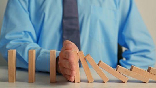 Afin d'organiser la sortie progressive du dispositif exceptionnel d'activité partielle, deux décrets du 28 mai 2021 prévoient une diminution du taux d'indemnisation par étape et une prolongation de quelques mois pour les entreprises les plus touchées.