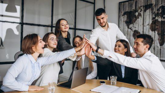 La montée en compétences des salariés représente un défi du quotidien pour les entreprises souhaitant gagner en compétitivité et fidéliser leurs salariés. Vous souhaitez accompagner et développer les compétences de vos équipes et en savoir davantage sur la formation et la GPEC ? Cet article va vous intéresser.