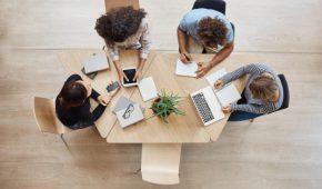 Dans le but de renforcer l'interactivité entre les collaborateurs et leur hiérarchie, les entreprises s'équipent de plus en plus d'un portail RH. Ce dernier n'est efficace que s'il possède les bonnes fonctionnalités. Découvrez quelles sont les fonctionnalités d'un portail salarié idéal.